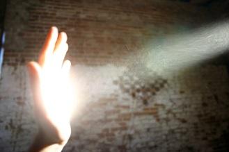 Hand-Sunlight